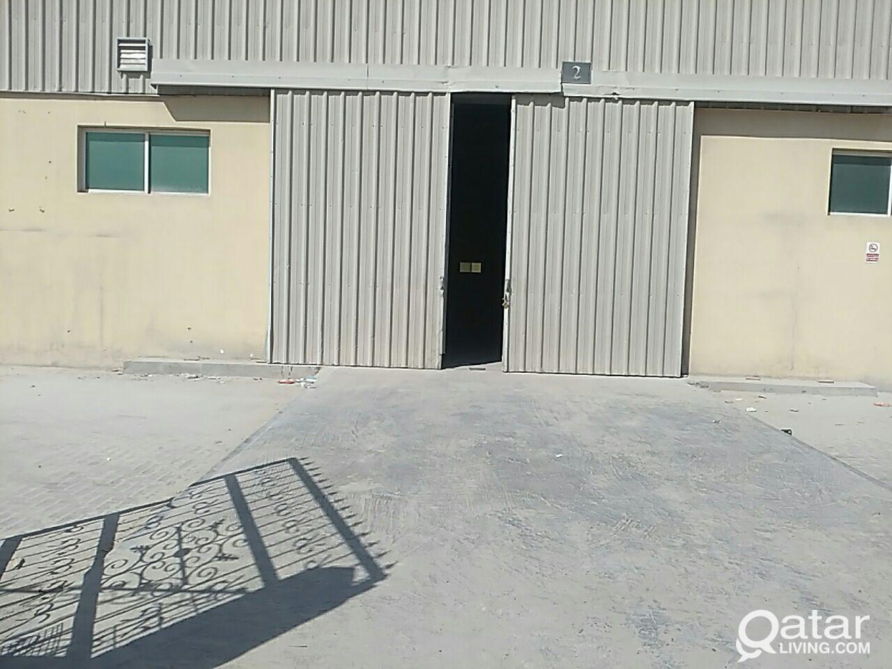 STORE 1400.M FOR RENT AT INDUSTIAL AREA