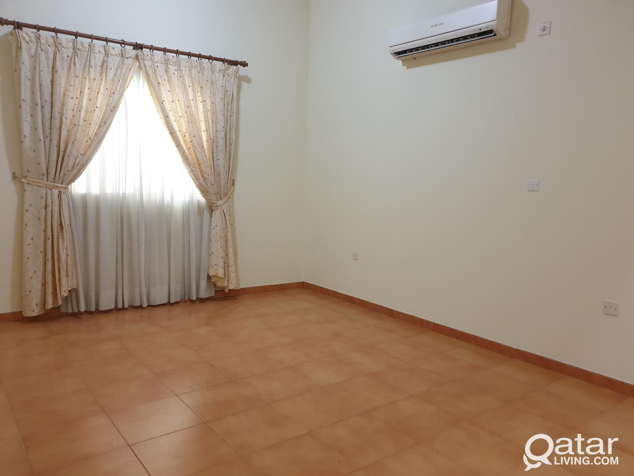 **No commission** 2BHK with Gym and WiFi  Close to