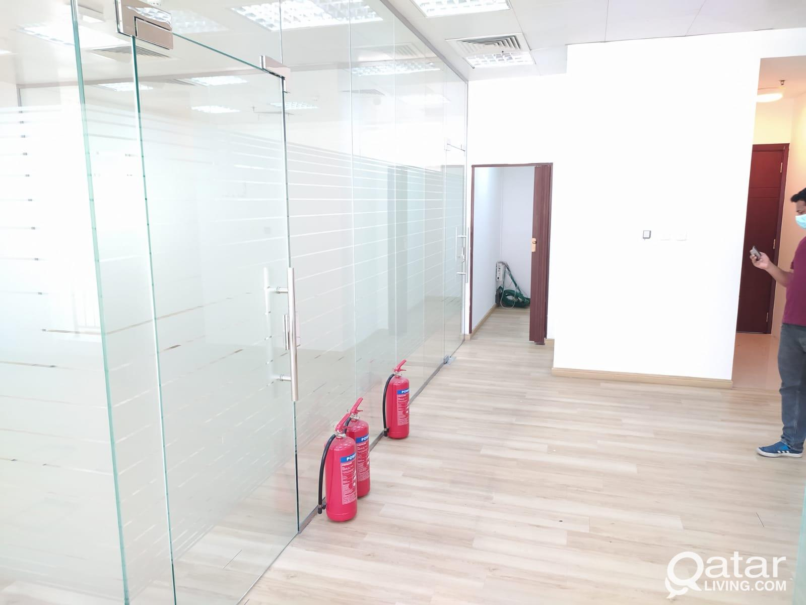 1 Month Free ! 123 Sqm Glass Partitioned Office Sp