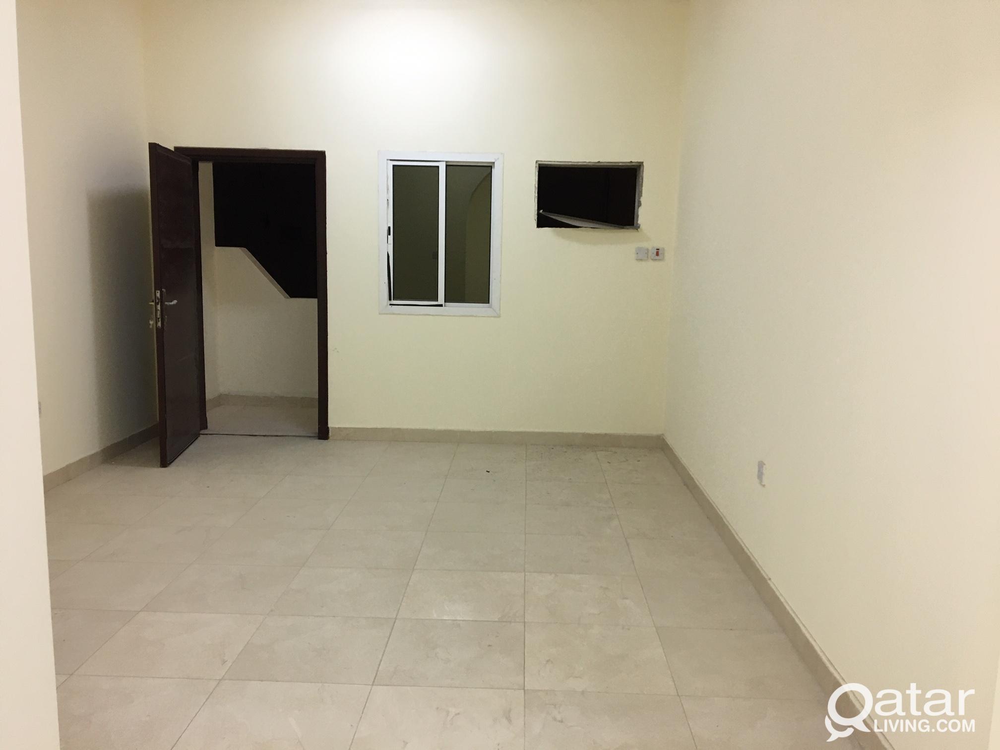 family  in wakra. 4-bhk ,2- washroom
