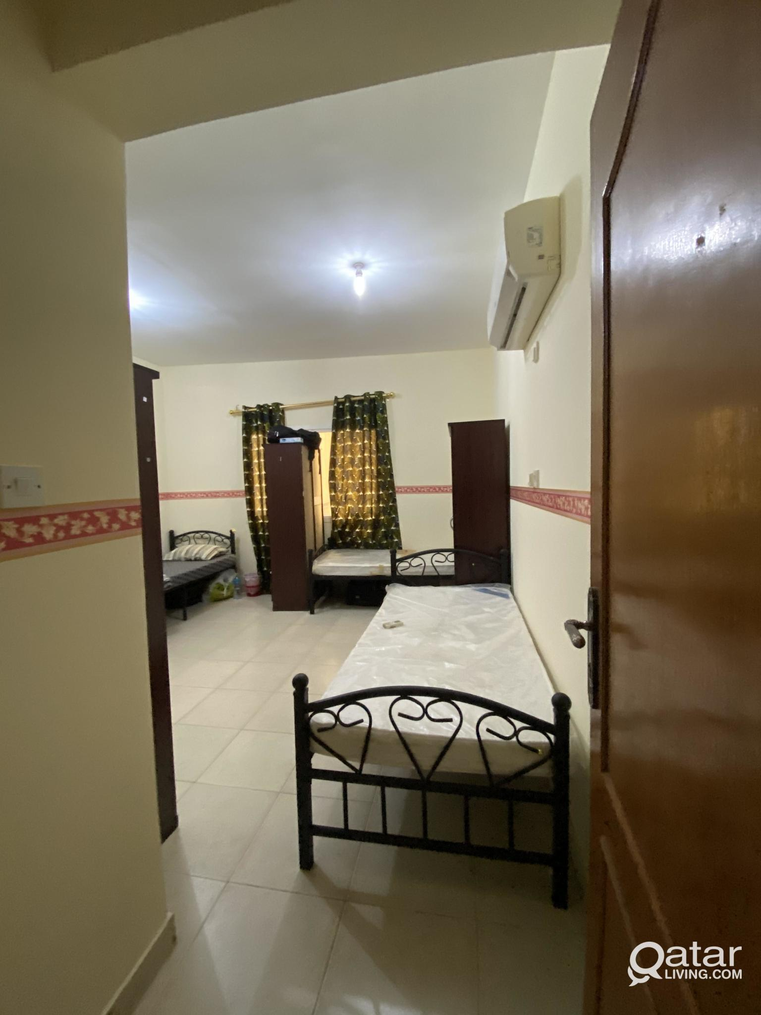 Bed space Available-Ready to Occupy-Room with Atta