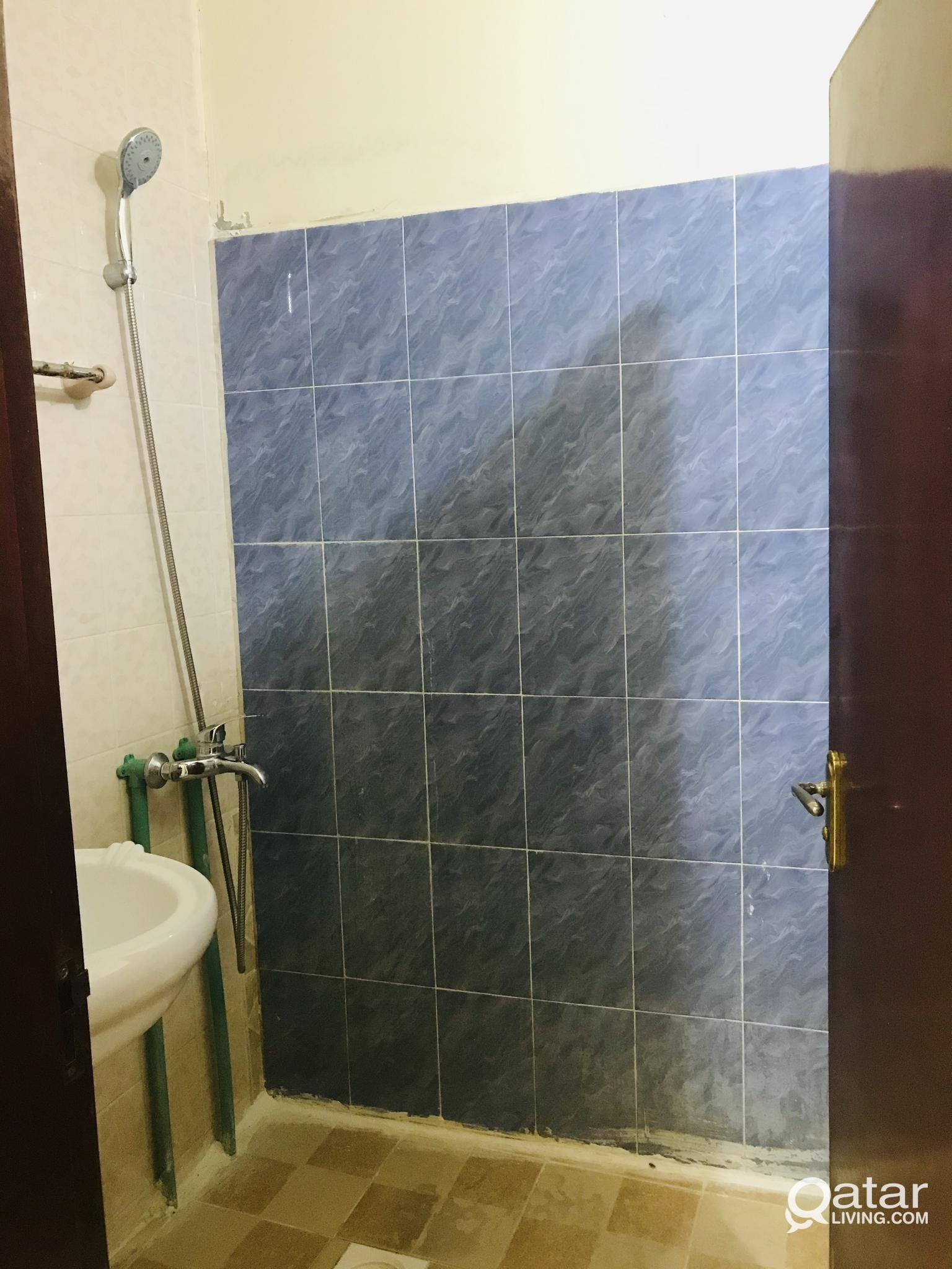 ONE BEDROOM  AVAILABLE IN NEW SALATHA NEAR BIRLA P