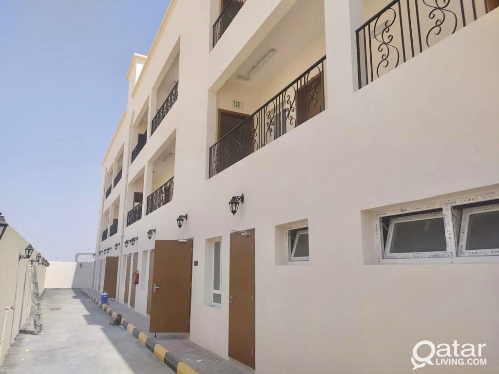 2400 Sqm Store 24 Rooms for rent in Birkat Al Awam