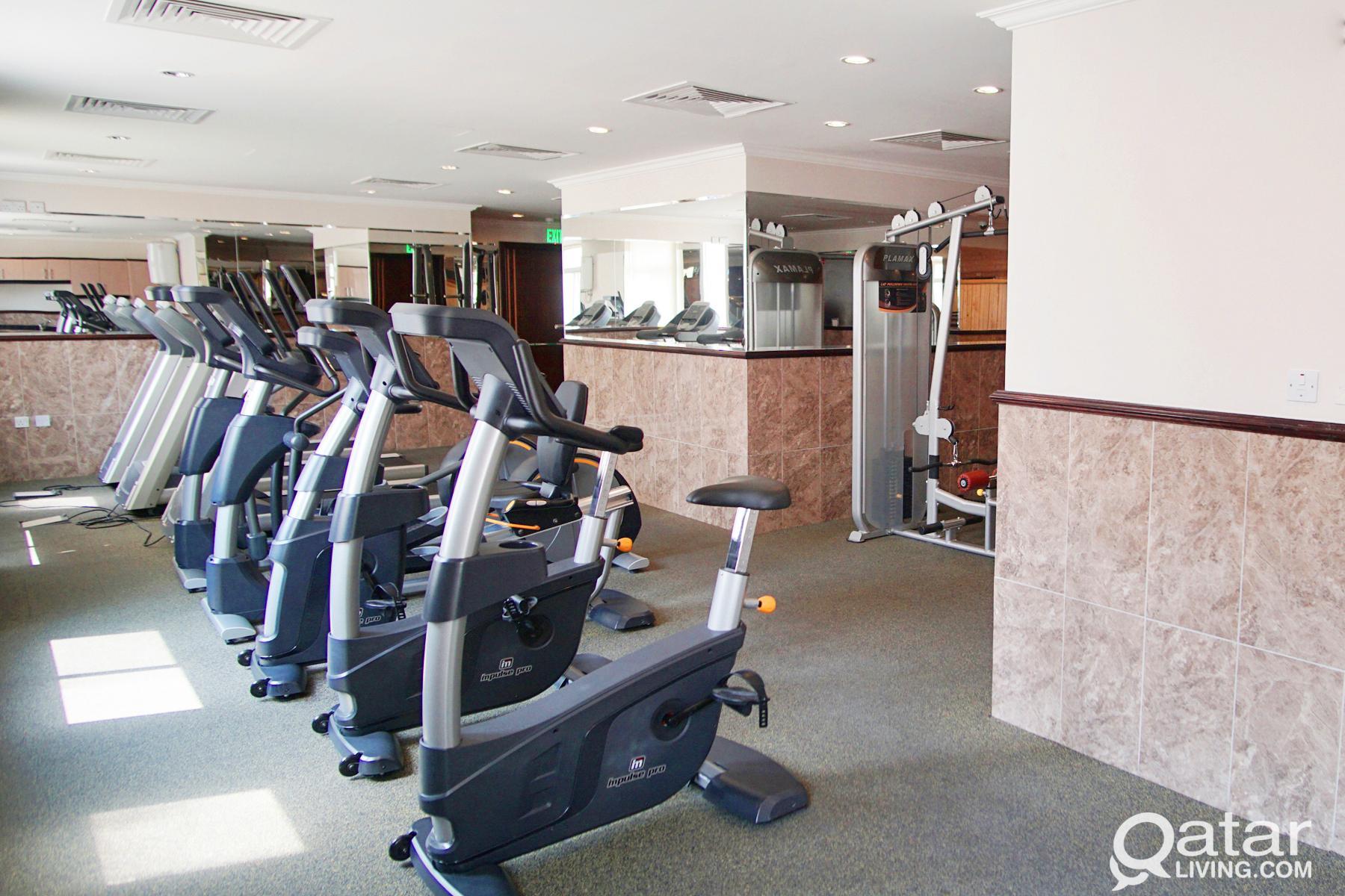 FF 1BHK w/ utilities (Gym, CCTV System, Sauna & St