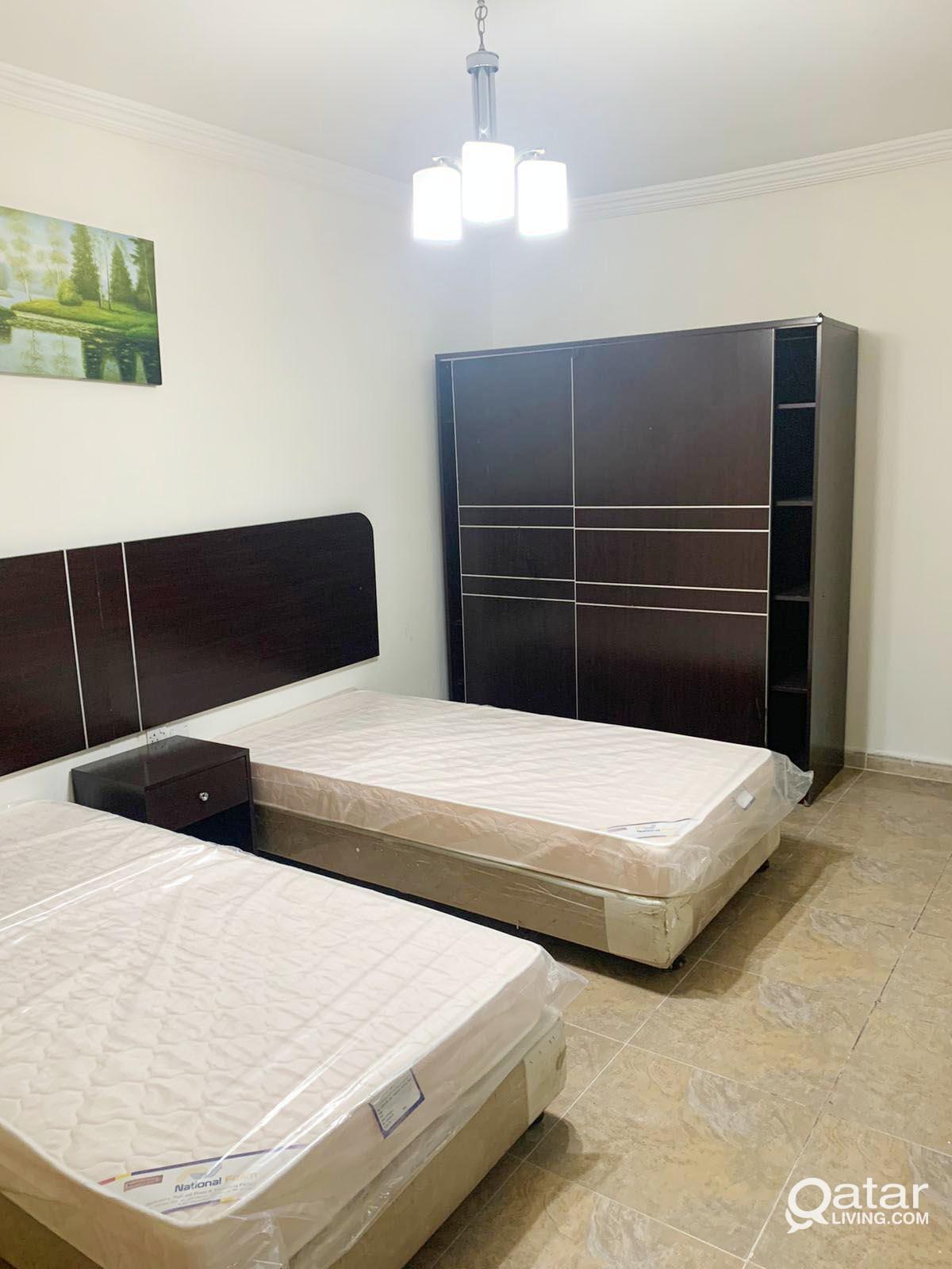 NO COMMISSION!! Bachelor/ Staff Accommodation ( OS
