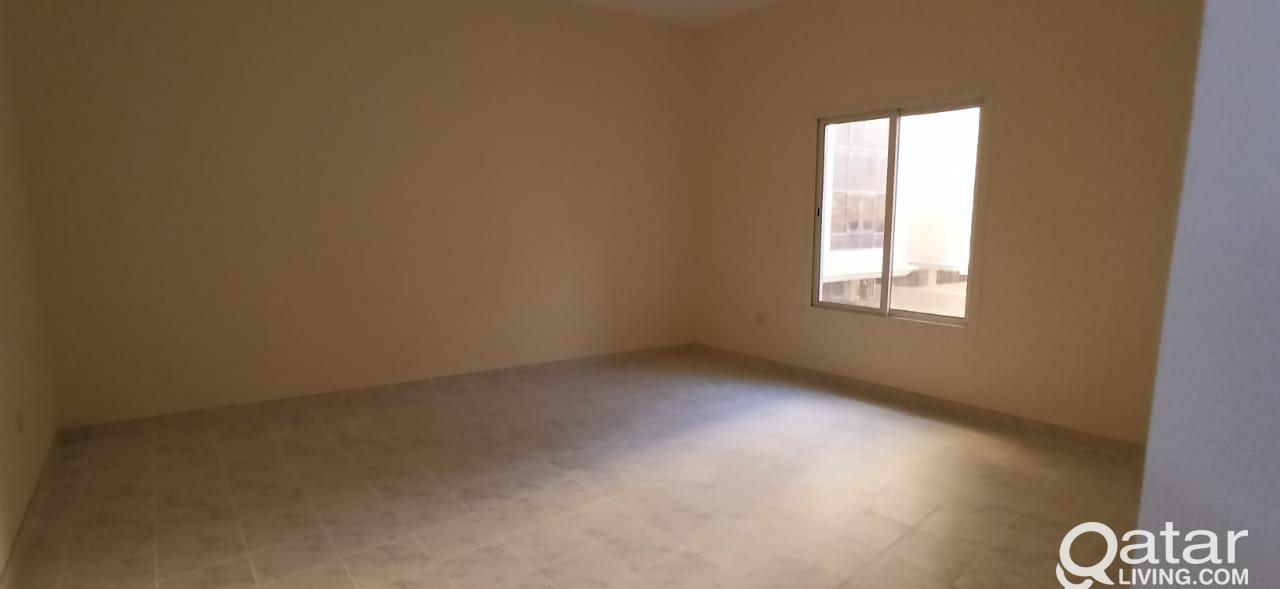 Spacious 3 Bed Apartment With Balcony 1 MONTH FREE