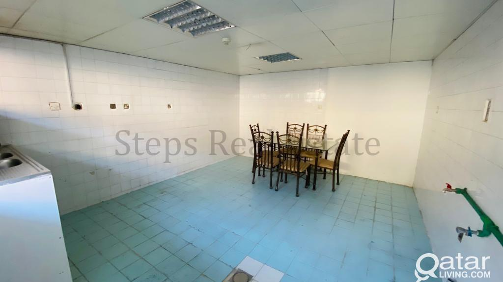 600sqm warehouse and Room At industrial Area
