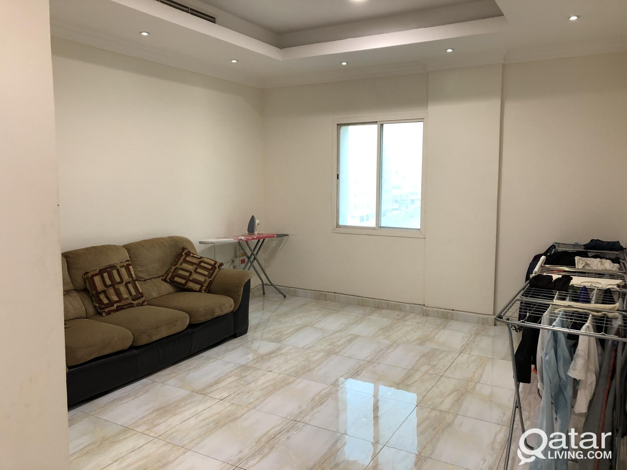 FULLY FURNISHED BED SPACE AVAILABLE IN  NEW FLATS