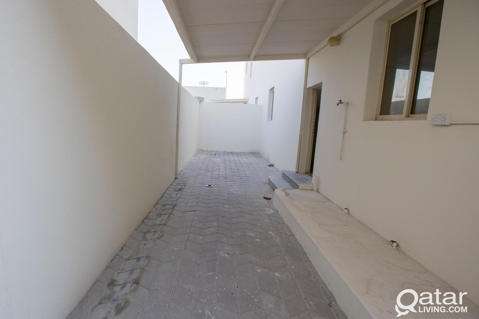 6BR Compound Villa in Muaither ( OS 1047 )