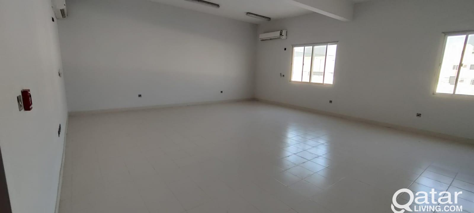 10000, 5000 sqmr Store for For Rent