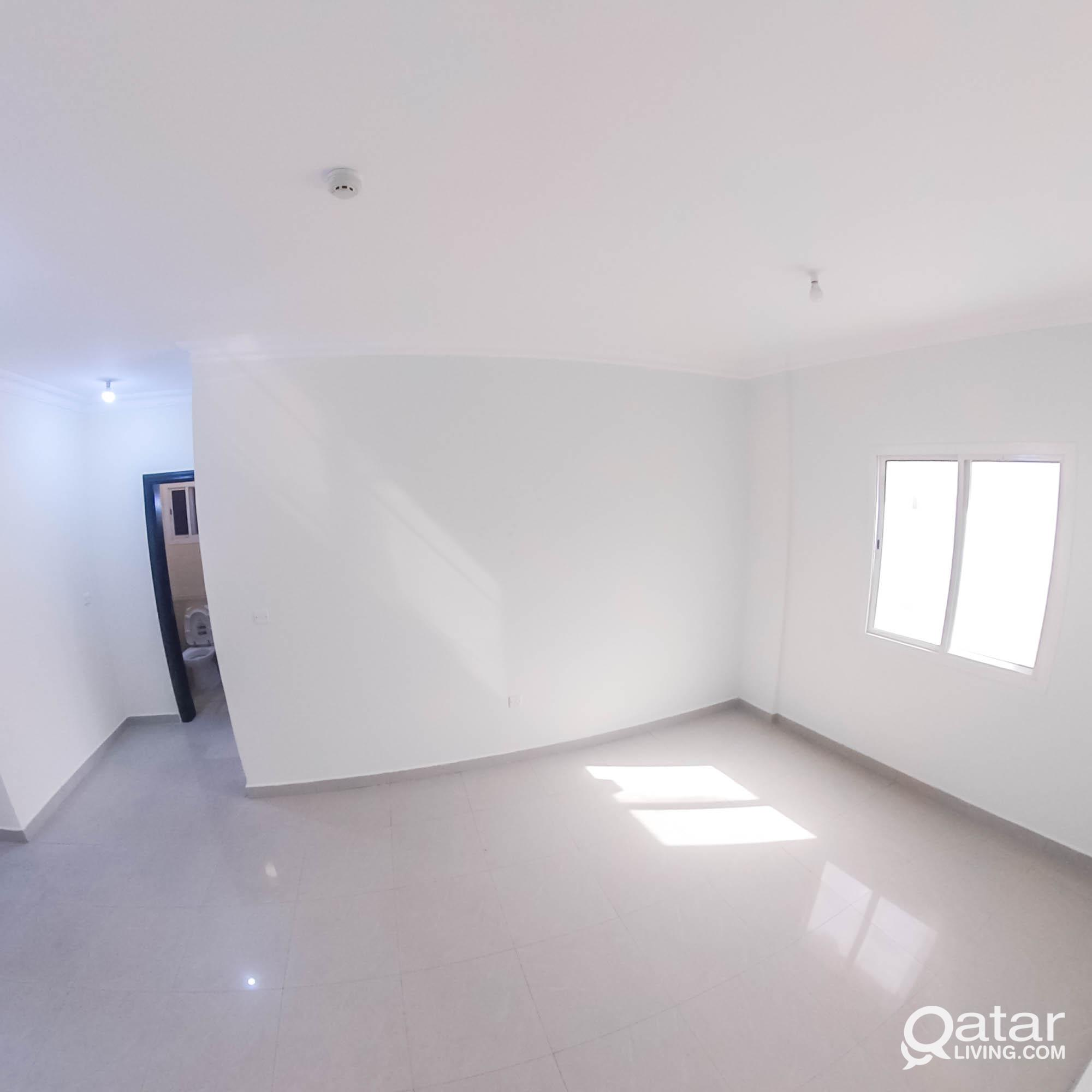 Unfurnished, 1 BHK Apartment in Umm Ghuwailina 3,0