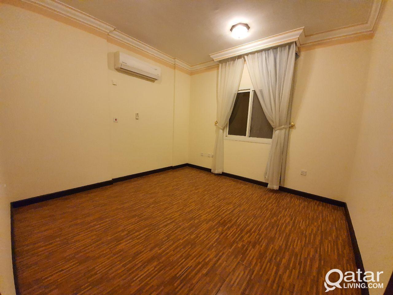 .غرفتين وصاله وحمامين ومطبخ Wakrah