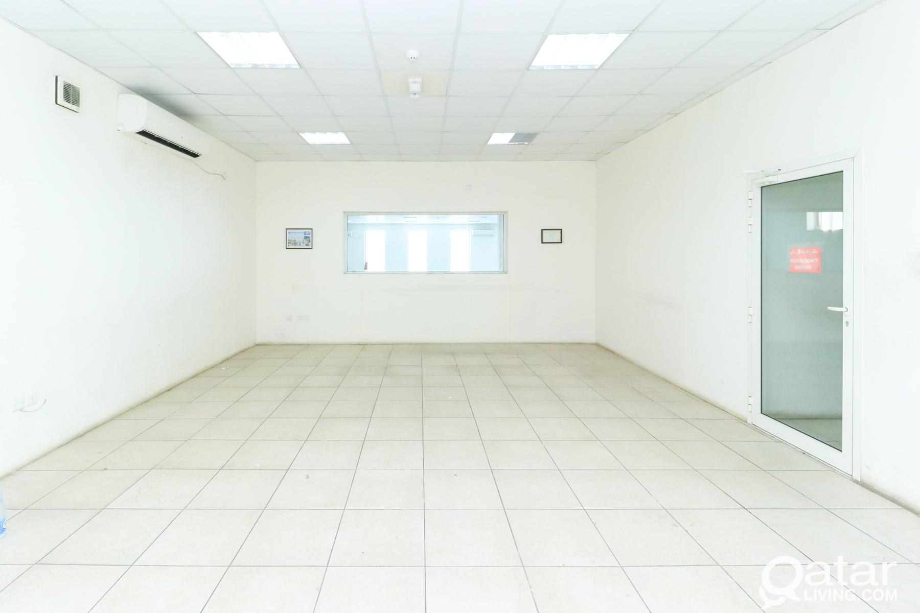 3002SQM Showroom  for rent In Industrial Area