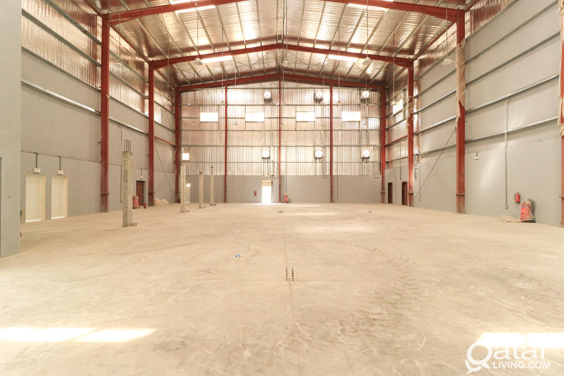 Brand-new Warehouse with 12 Rooms & Offices