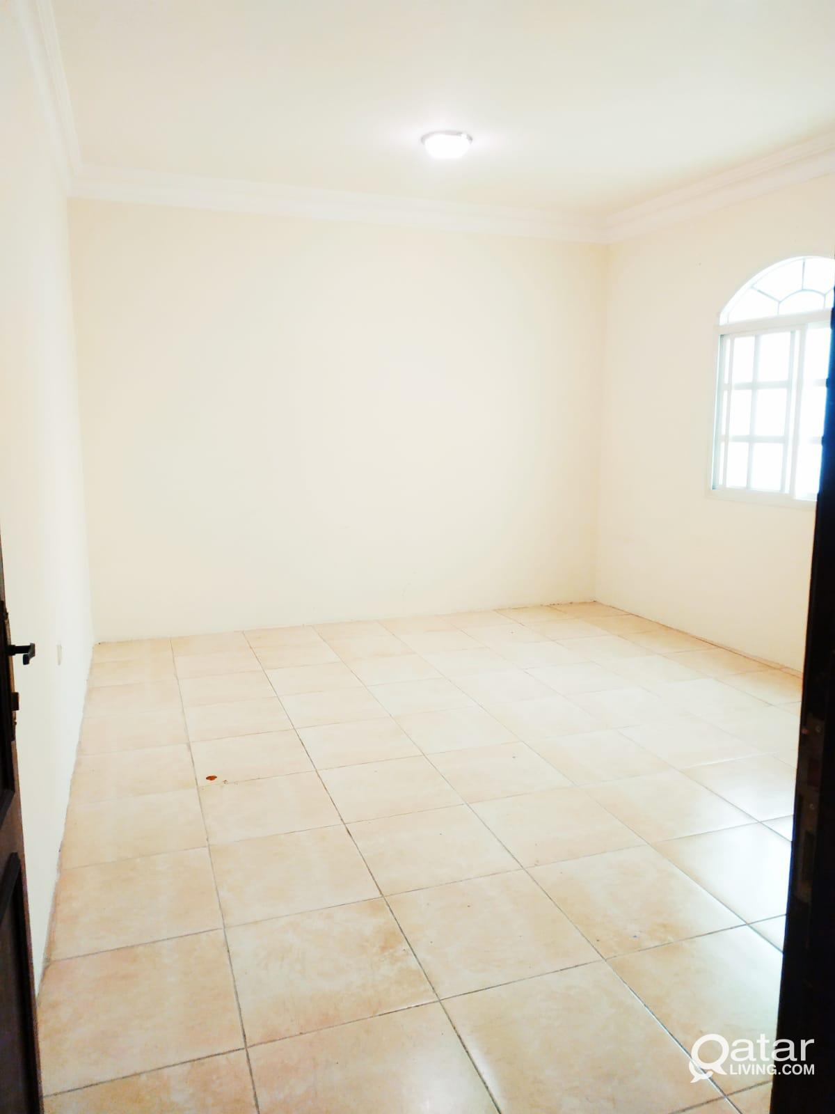 2Bedrooms Unfurnished In Madinat Khalifa South Clo