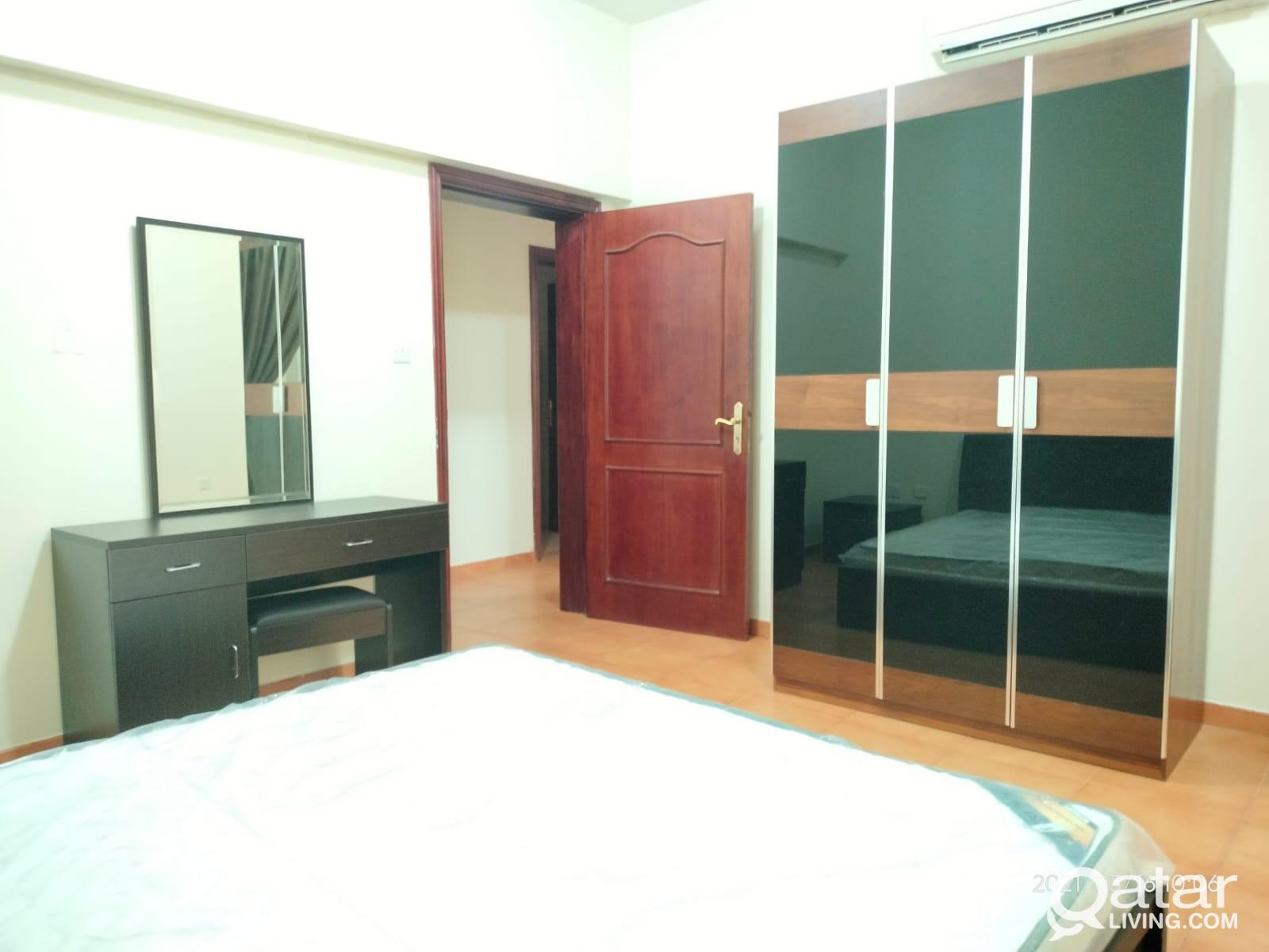 2BHK F/F with balcony OLD SALATA NO COMMISSION wit