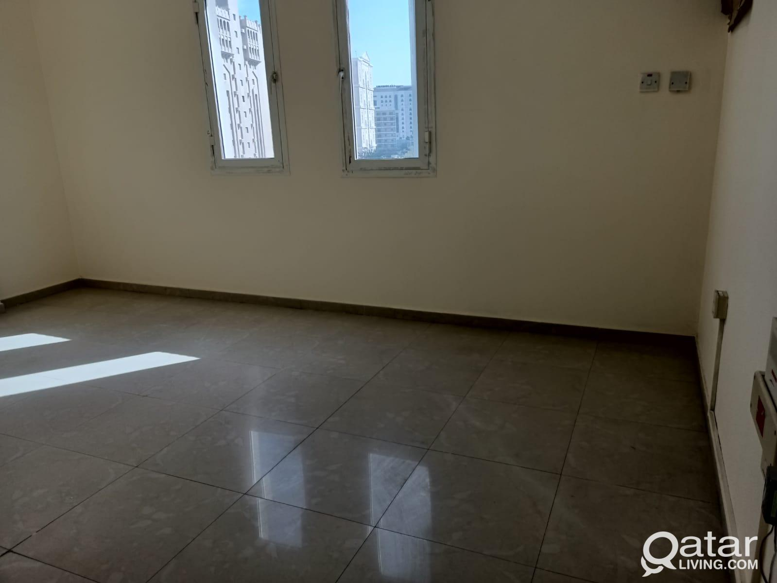2 BHK unfurnished apartment available in musherib