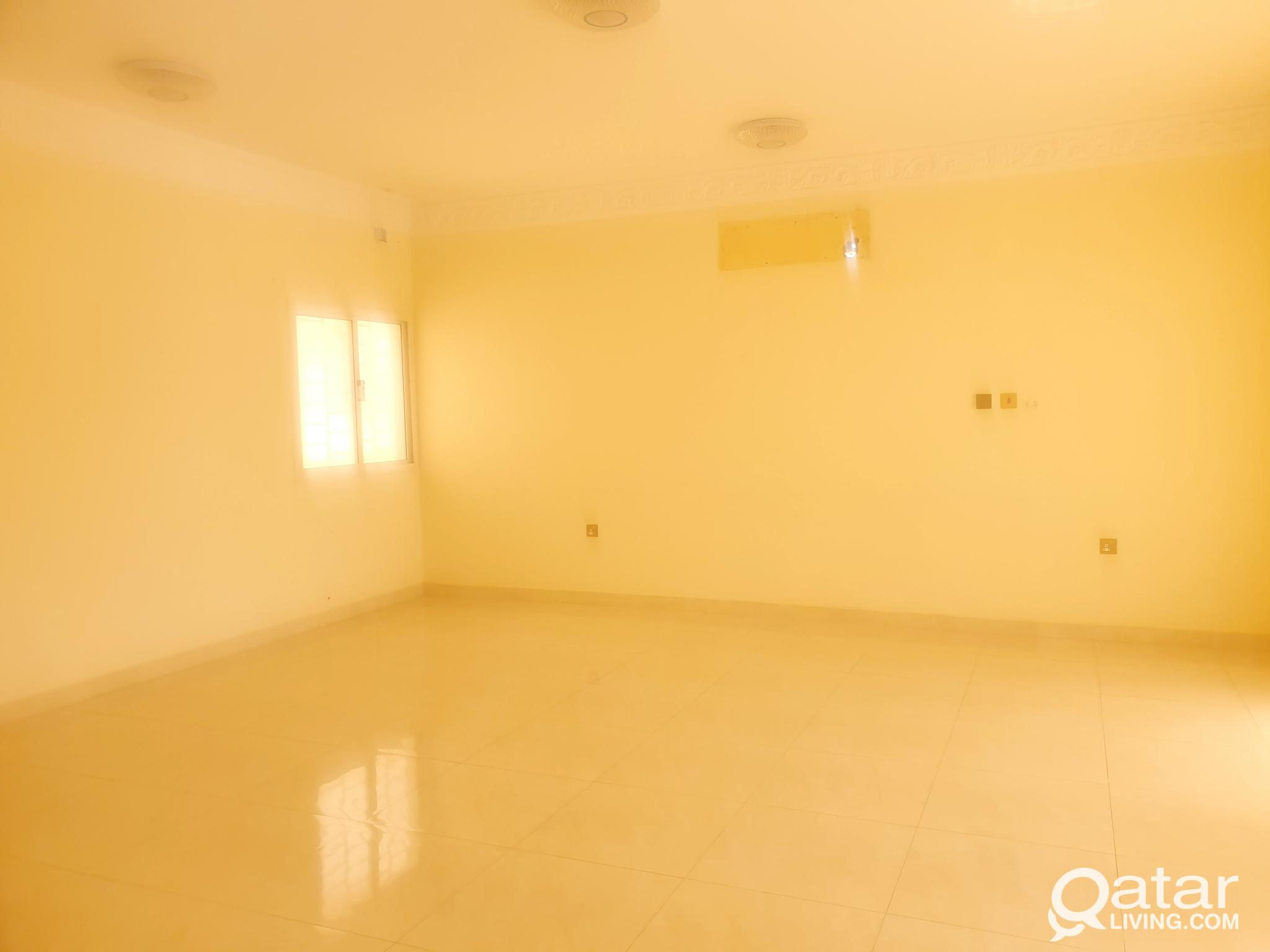 11 bedroom Fully Commercial villa in D- ring.