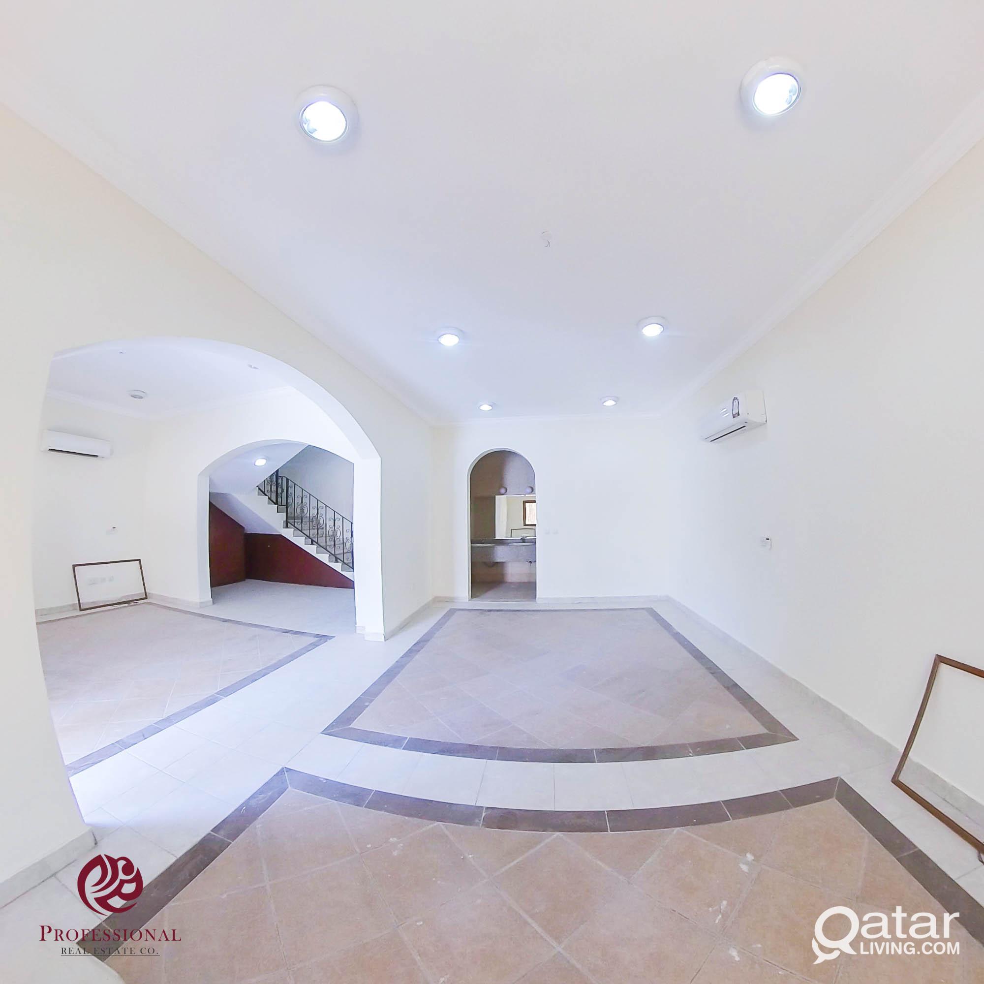 Unfurnished, 5 BHK Compound Villa in Madinat Khali