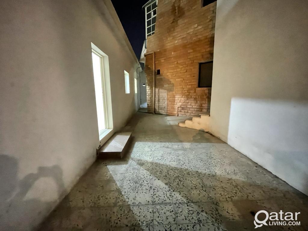 Hot Offer - Spacious 2 BHK Villa Apartment For Ren