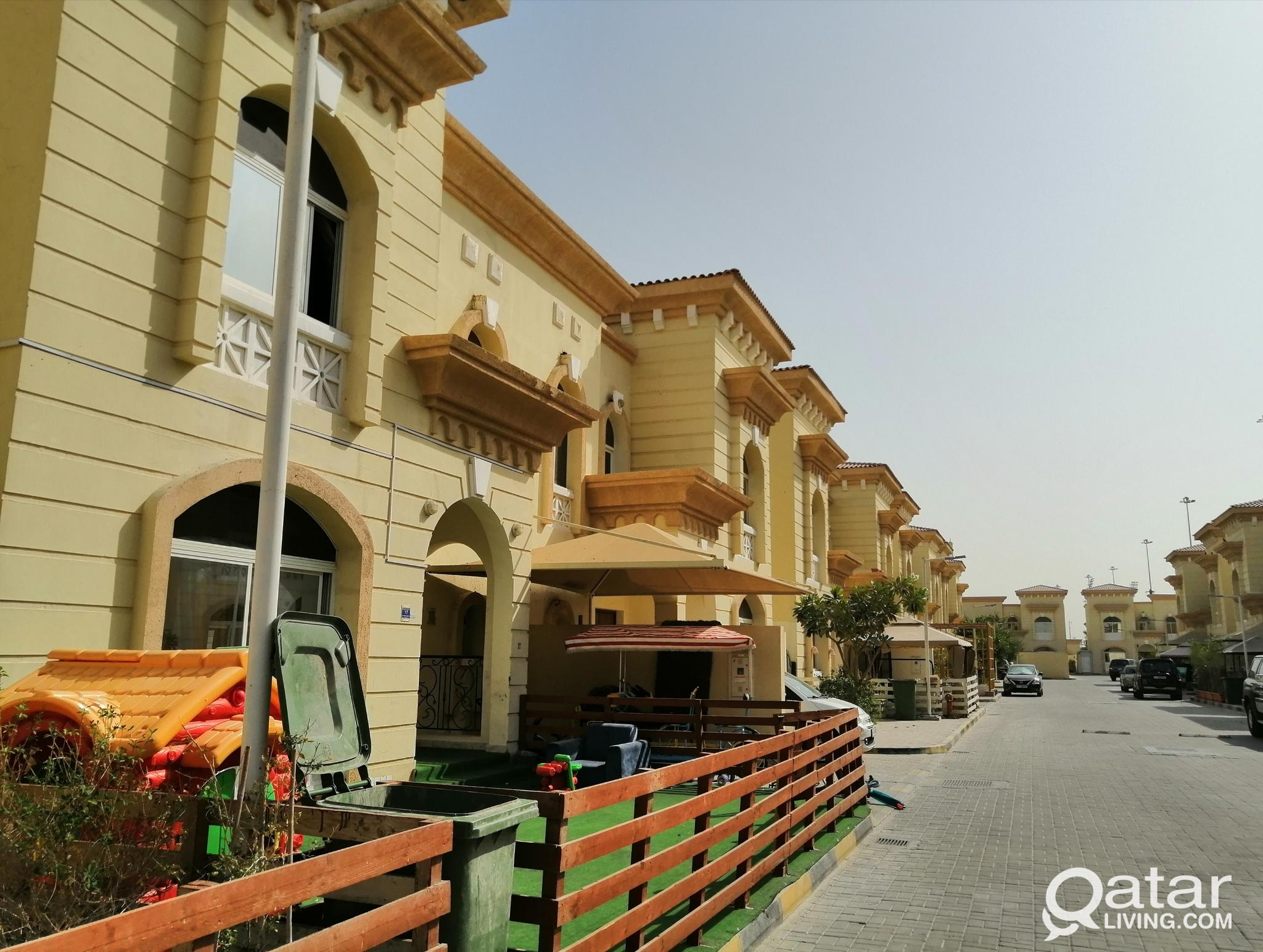 3 BHK COMPOUND VILLA AVAILABLE IN MURAIKH