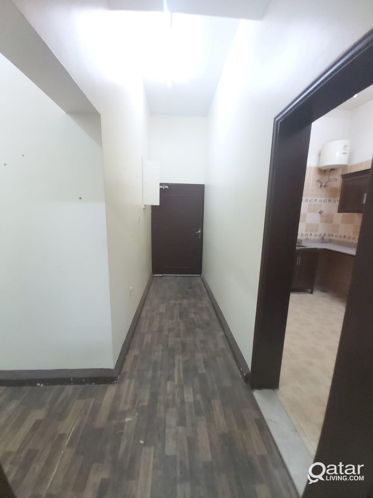 Spacious: 2 Month Free - 2 Bedroom Apartment @ Al