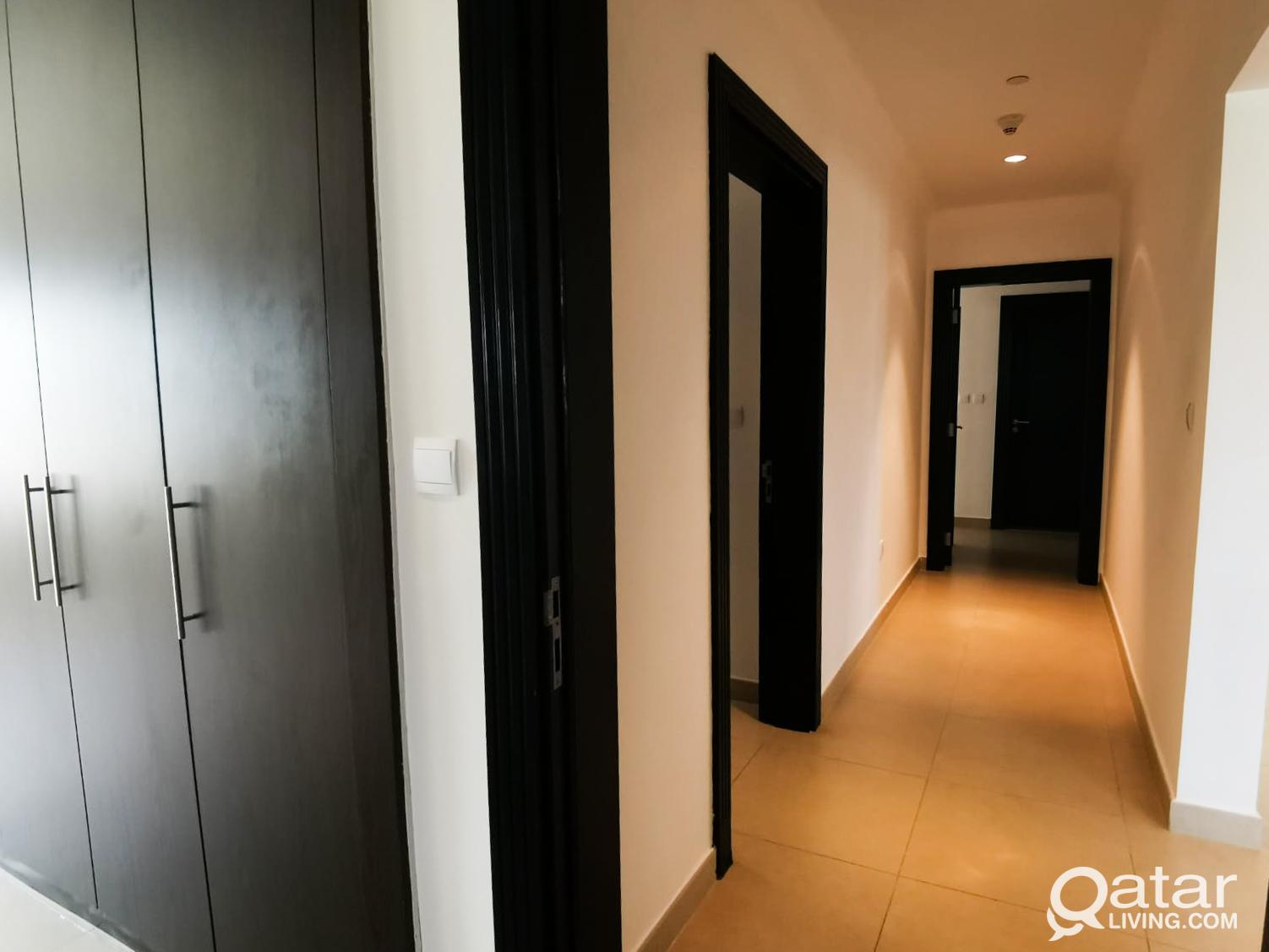 Large 3 Bed Room with Astonishing Direct Marina Vi