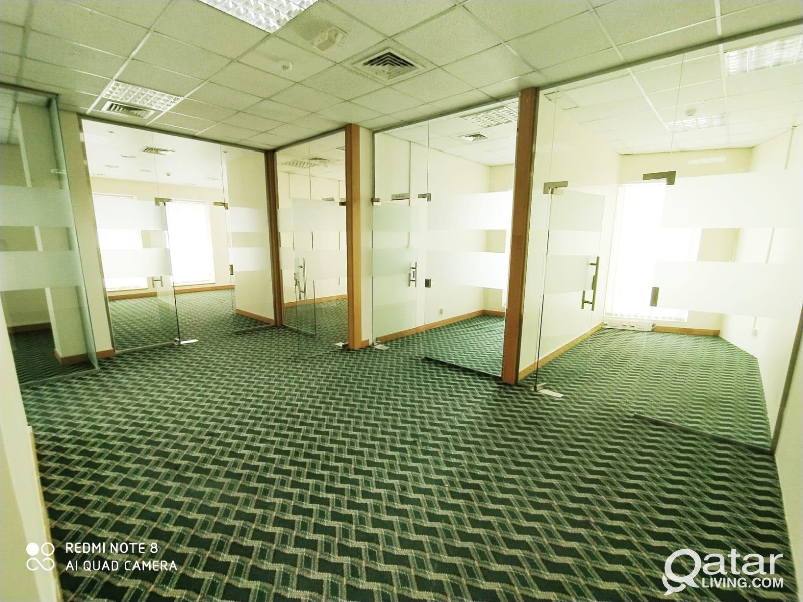 152 Sqm 4 Rooms Glass Partitioned Office in Airpor