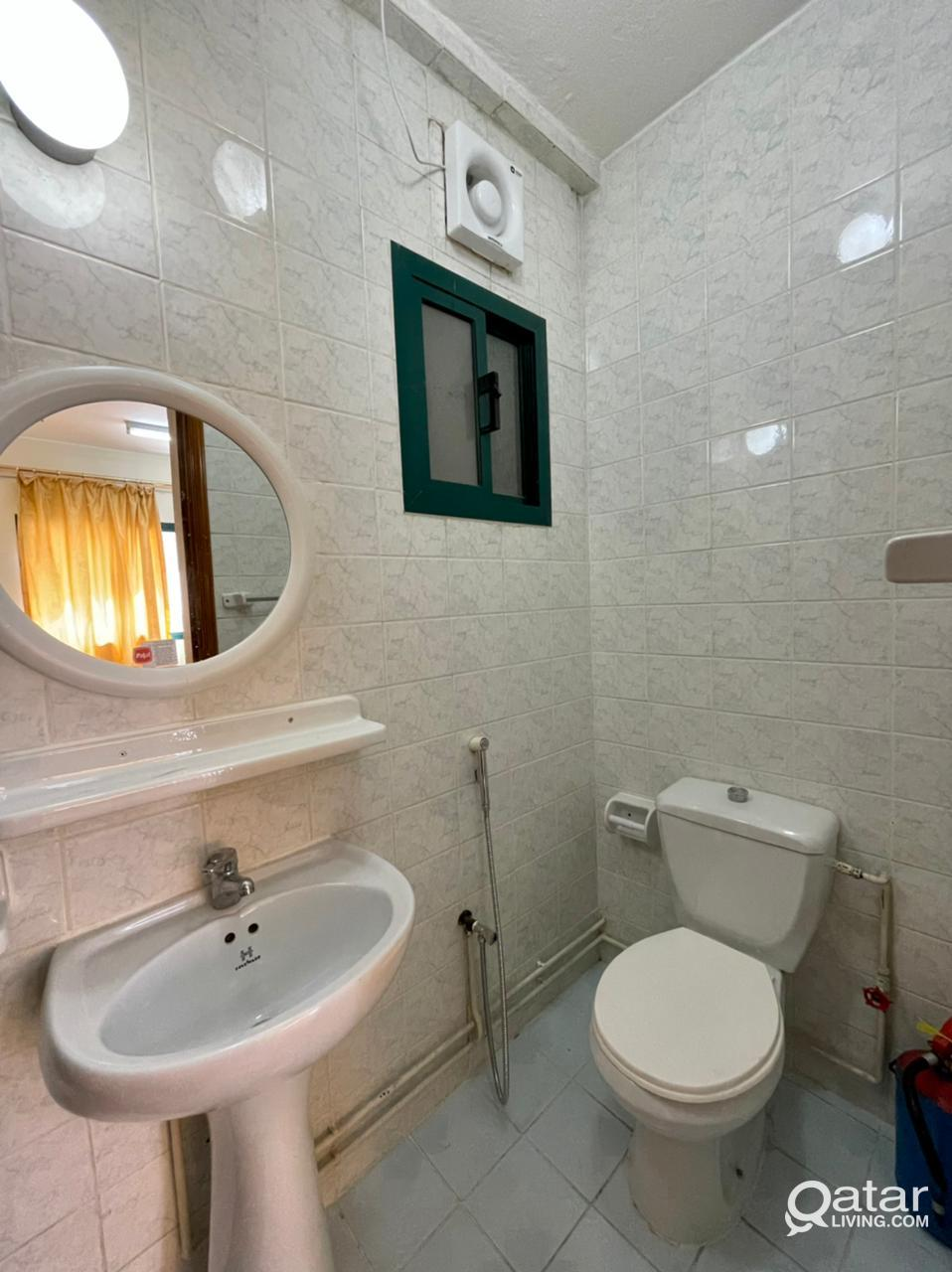 1 MONTH FREE !! SPACIOUS 2 BHK UNFURNISHED AVAILAB