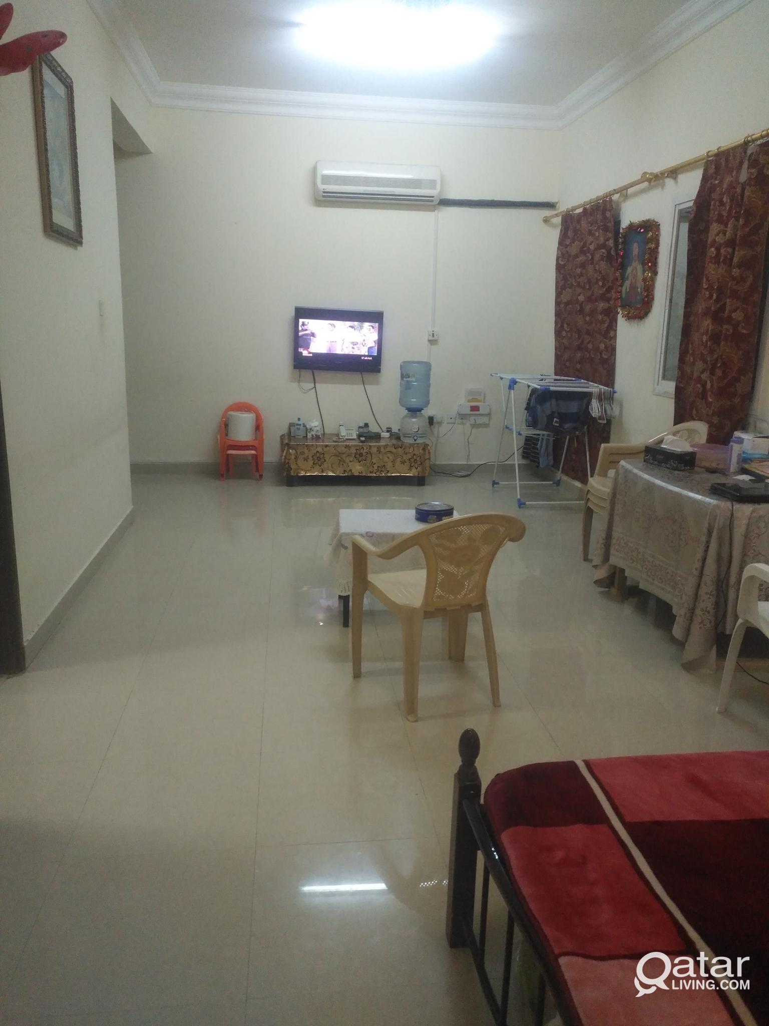 Executive shared bachelor accommodation from Aug