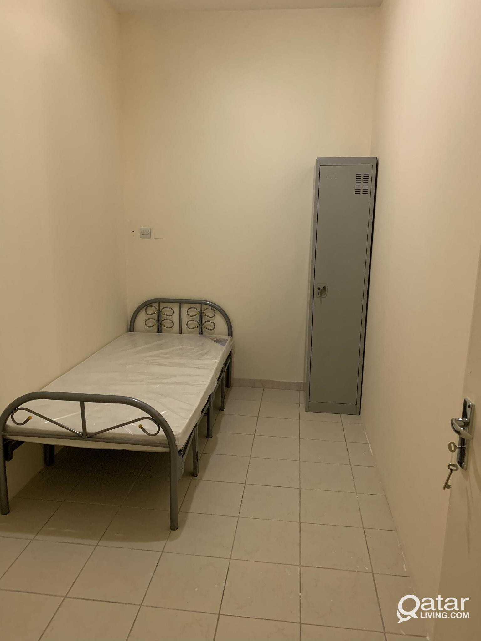 FAMILY AND EXECUTIVES MALE &FEMALE FLAT