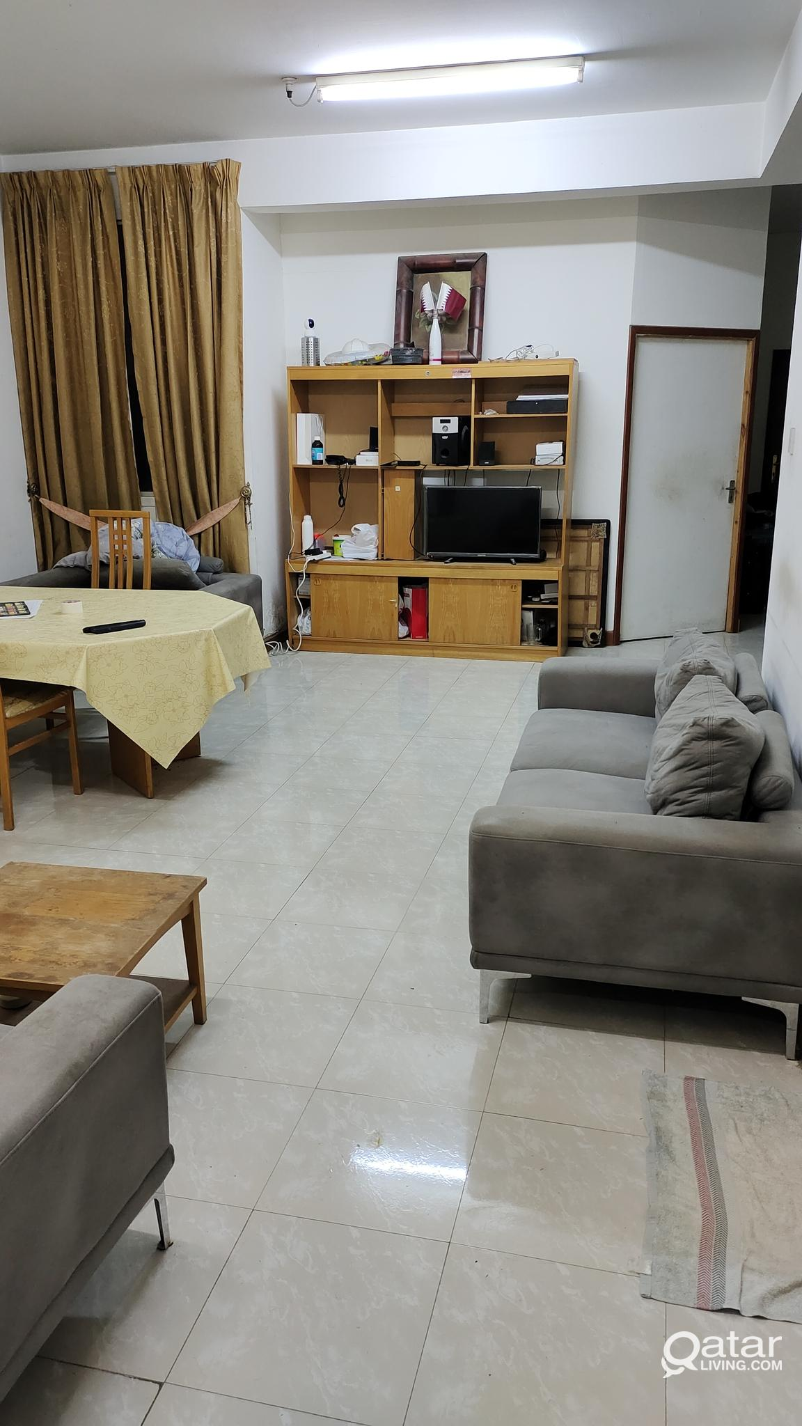 2 Bed Space (in Balcony Room) in a 3BHK flat at Al