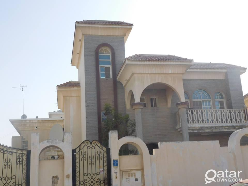 1 BHK  Available in Mamoura Near Vegetable Market