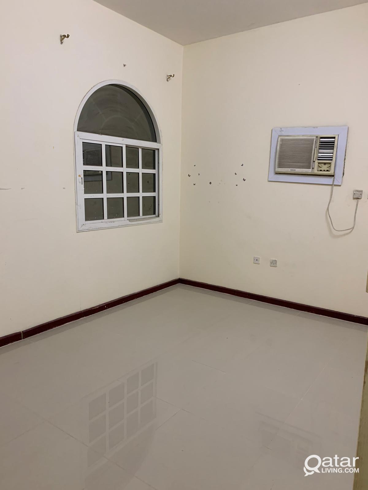 1 bhk fully furnished  room madinat khalifa south