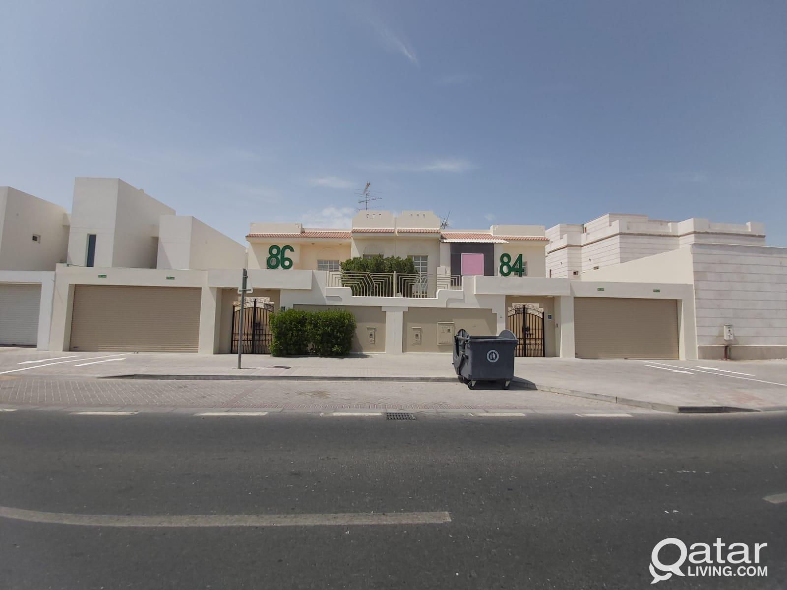 Stand alone service/commercial villas for rent nea