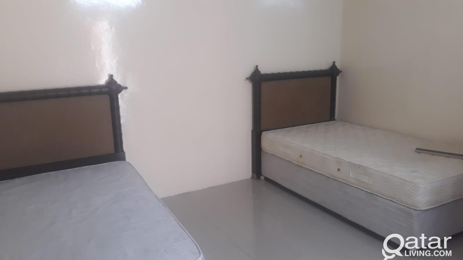 Family room for rent in wakra