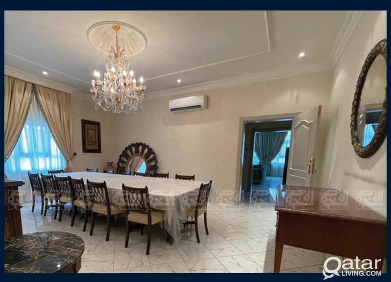 Commercial Villa, 8-BDR,Perfect Staff Accommodatio