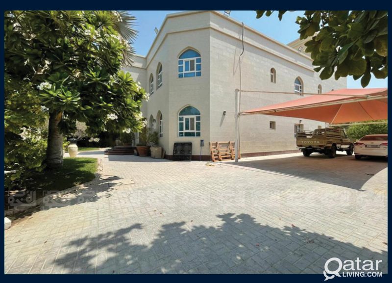 Commercial Villa, 8-Bedroom,Perfect Staff Accommod