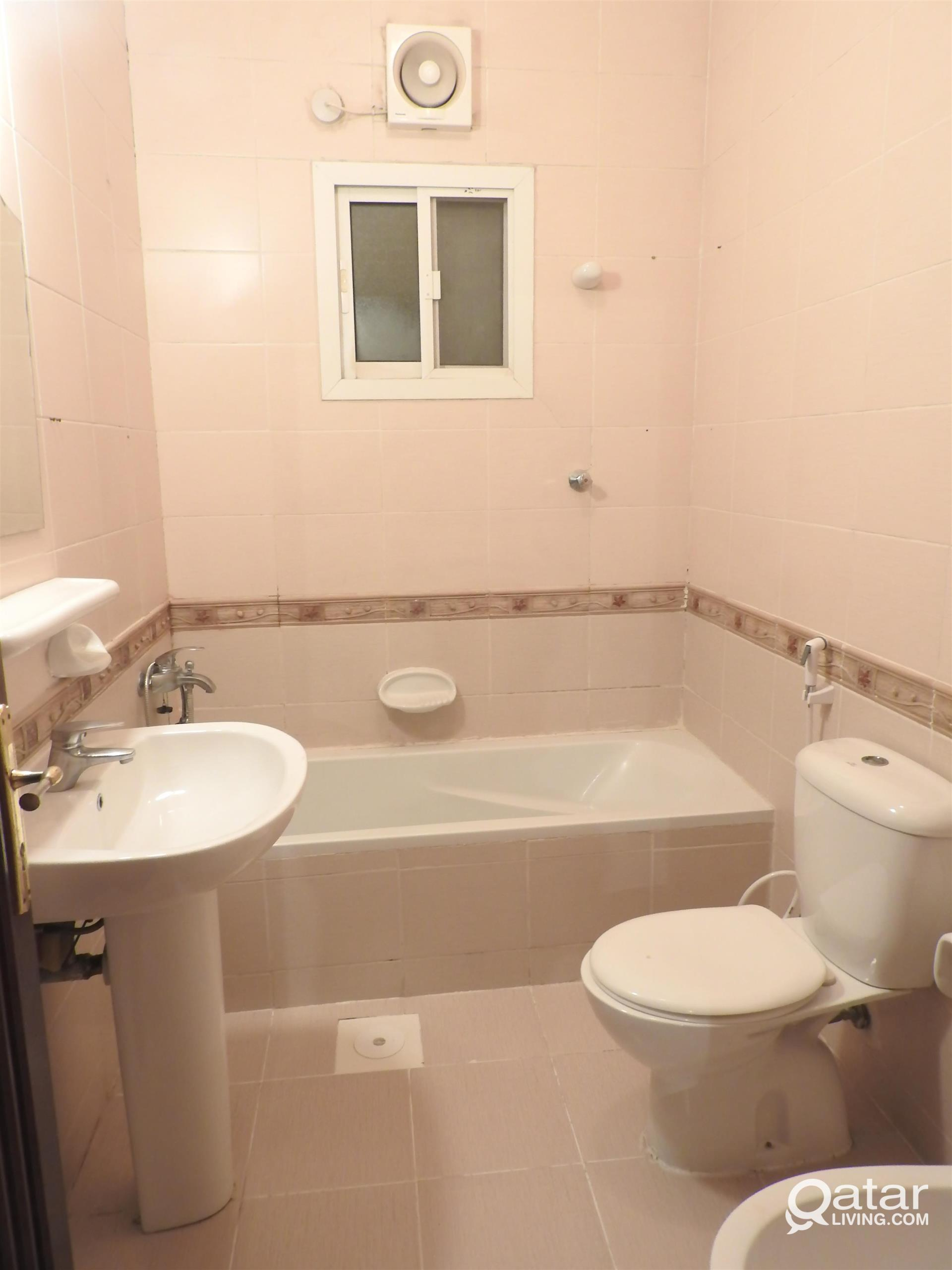 SPECIAL OFFER FOR FAMILY !!! SPACIOUS 2 BHK FLAT W