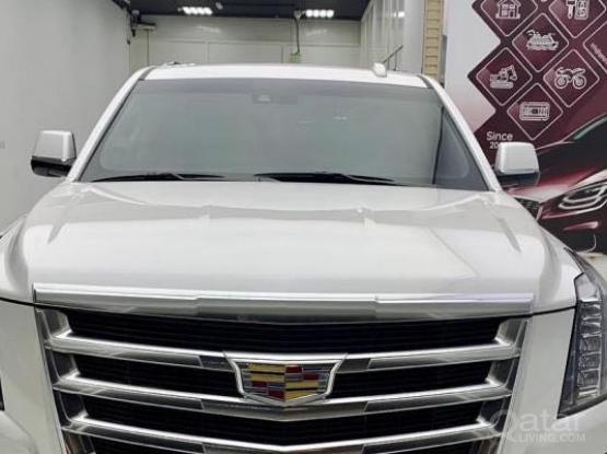 Cadillac Escalade Standard