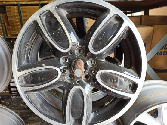 Mini Cooper Alloy wheel