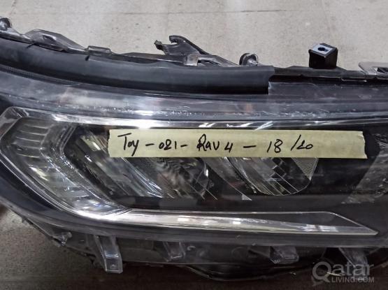 Toyota Rav 4 Head Light