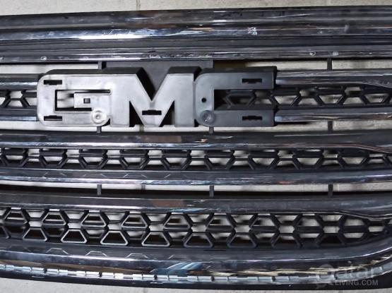 GMC Sierra  Grill
