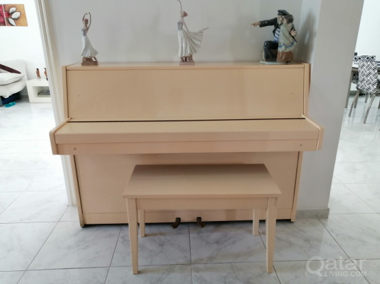 Upright Piano Daewoo with stool