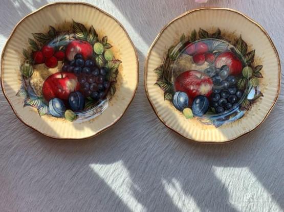 2x Vintage (1960s) Queens England | Rosina bone China  Antique Fruit series plates