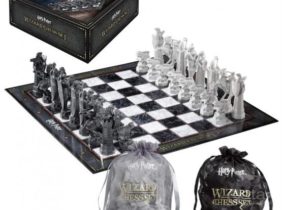 Harry potter offical chess set