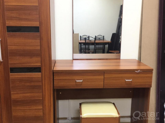 DRESSER WITH MIRROR BRAND NEW -CALL OR WHATS APP -33280157