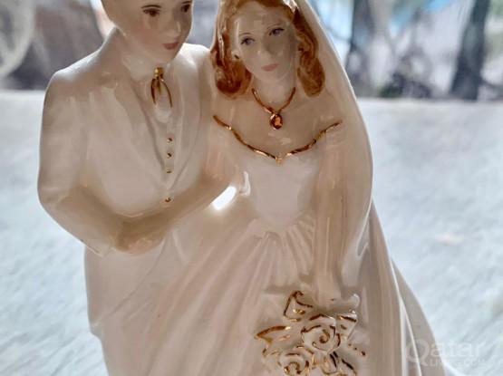 ROYAL WORCESTER Bride & Groom Figurine