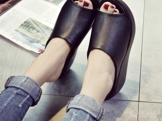 Women's Open-Toe Slippers (size-39)