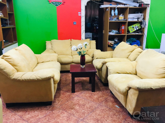 For sale sofa set very good condition